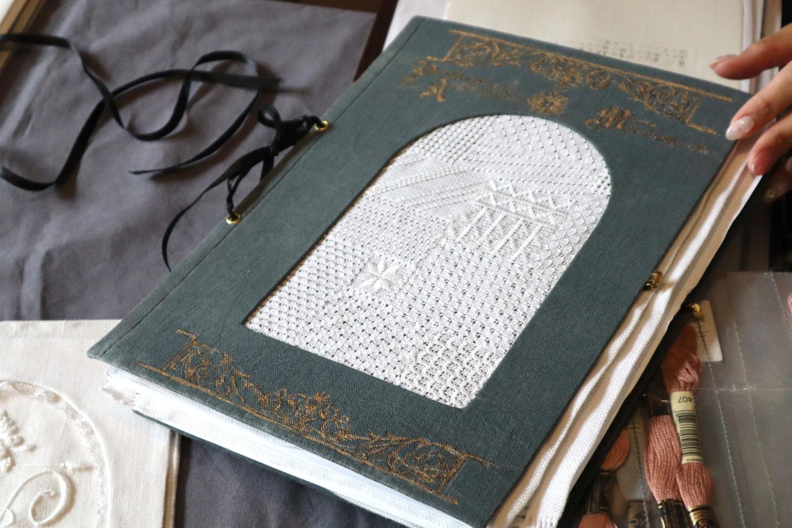 アジュール刺繍